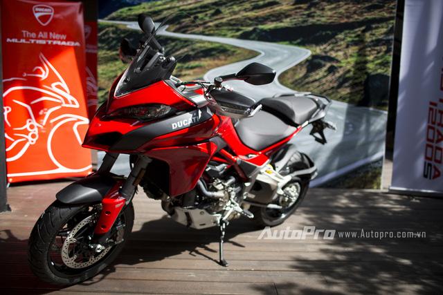 Chan dai Ha Thanh chay Ducati Multistrada 1200 tren pho gay xon xao cong dong mang - 5