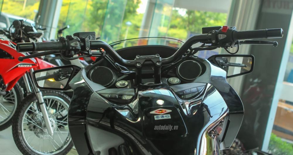 Chi tiet chien binh duong truong Honda CTX 1300 ABS 2015 tai Ha Noi - 11