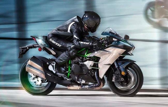 Clip Kawasaki Ninja H2 dat toc do toi da 363 kmh