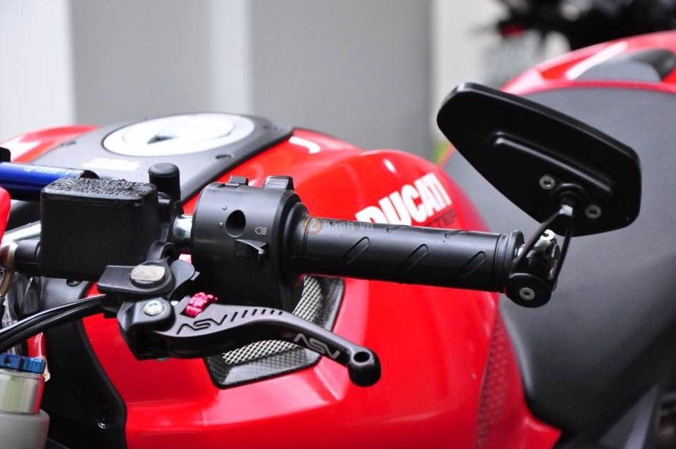 Ducati Monster 795 trong ban do full option day phong cach - 4
