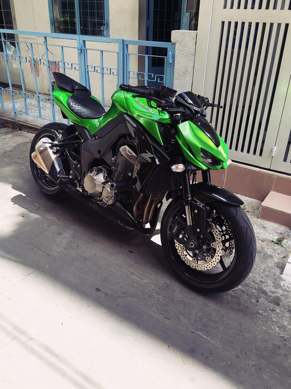 Kawasaki Z1000 Chau au cuoi 2015
