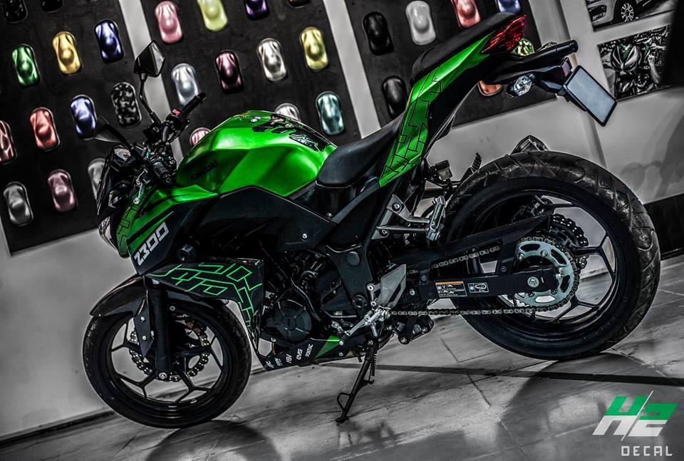 Kawasaki Z300 thay ao theo phong cach moi