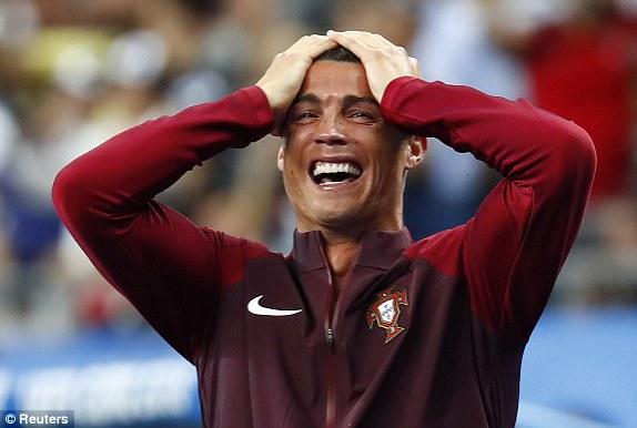 Khoanh khac Ronaldo va cac dong doi ngat ngay tren dinh chau Au - 7