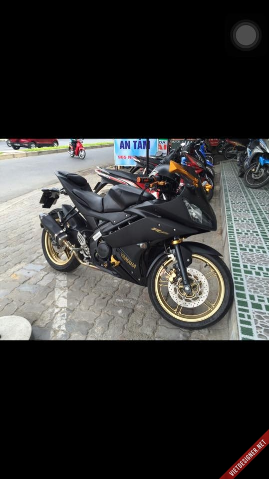 Yamaha R15 ver special mau Den mam dong