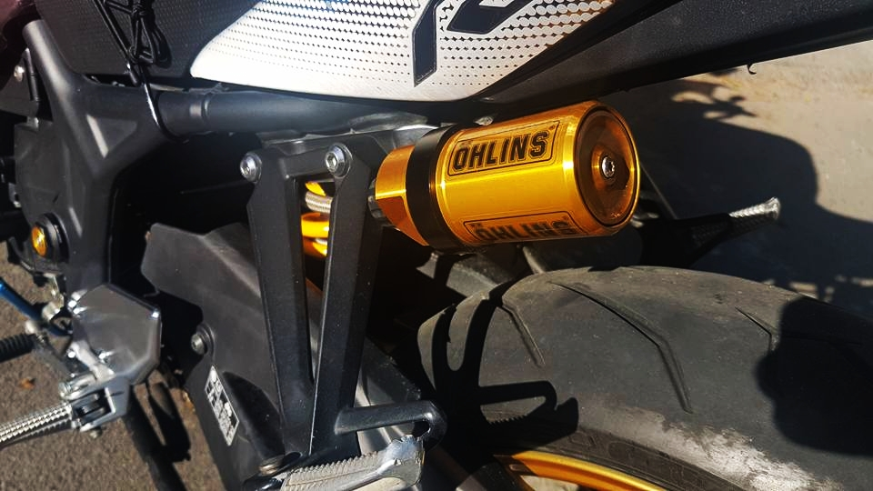 Yamaha R3 dam chat the thao voi phien ban Redbull cua biker Da Nang - 7