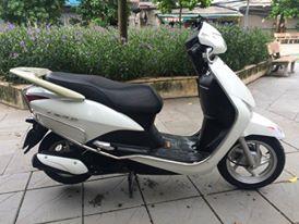 Ban xe Honda LEAD FI 110cc mau trang 2010 bien dep 30Y70768