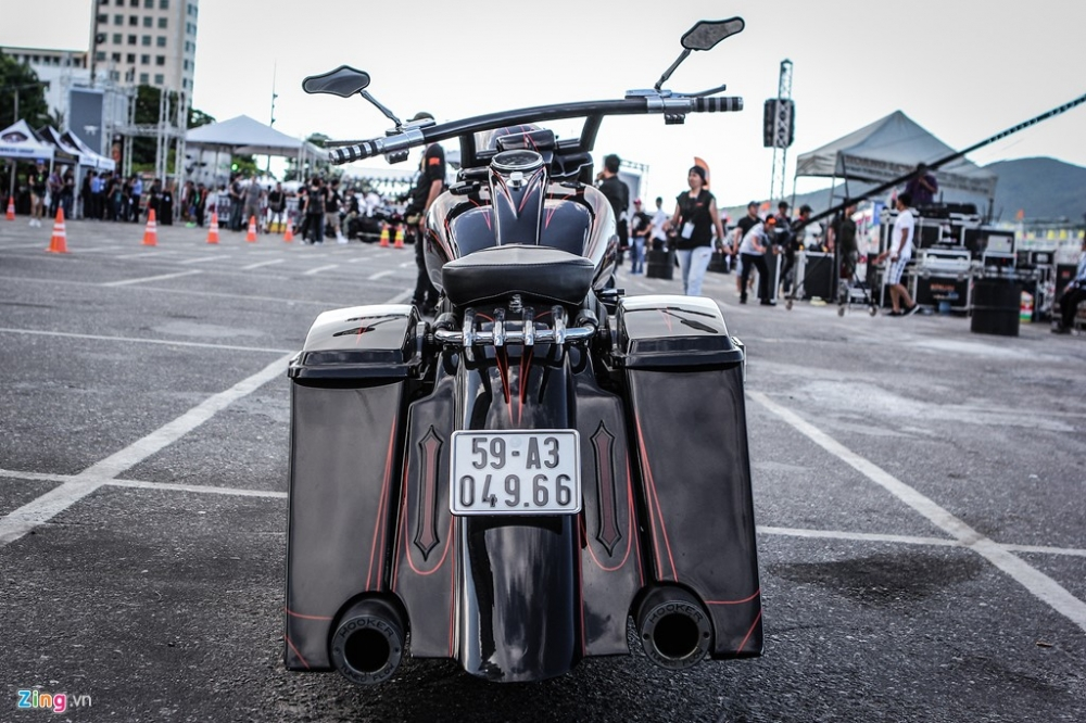 Can canh HarleyDavidson Street Glide do banh lon sieu khung - 3