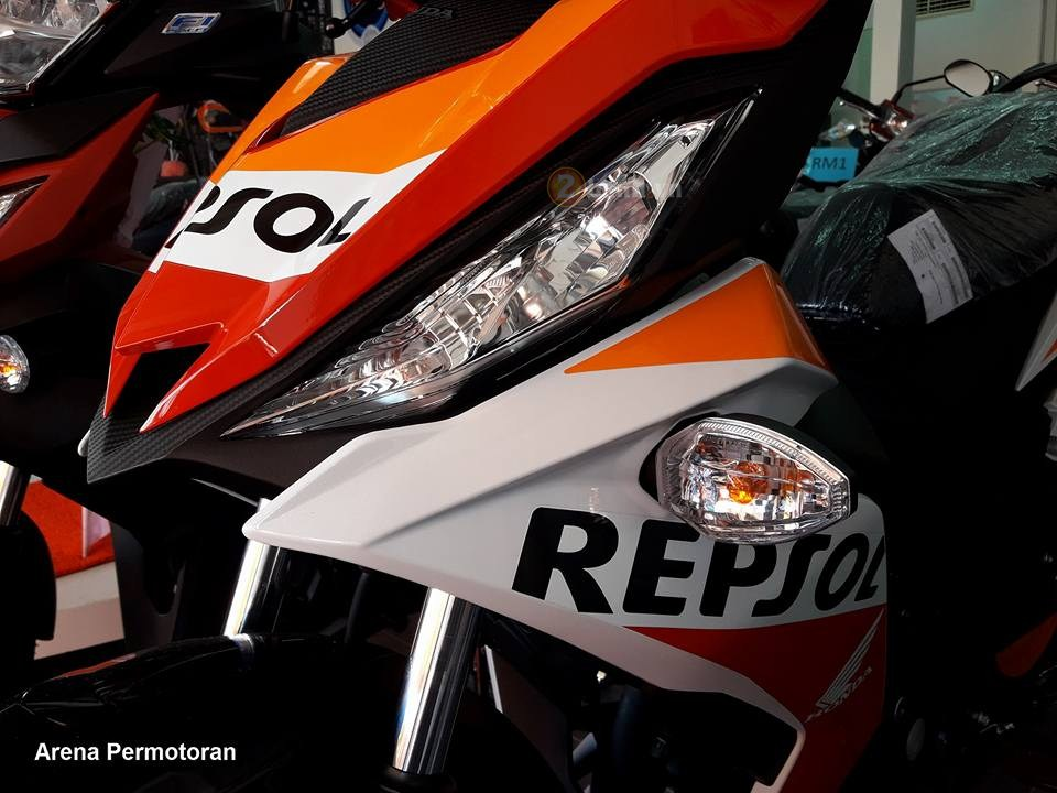 Can canh Winner 150 phien ban Repsol chinh hang