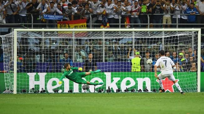 Dem nay se dien ra le boc tham vong bang UEFA Champions League - 3