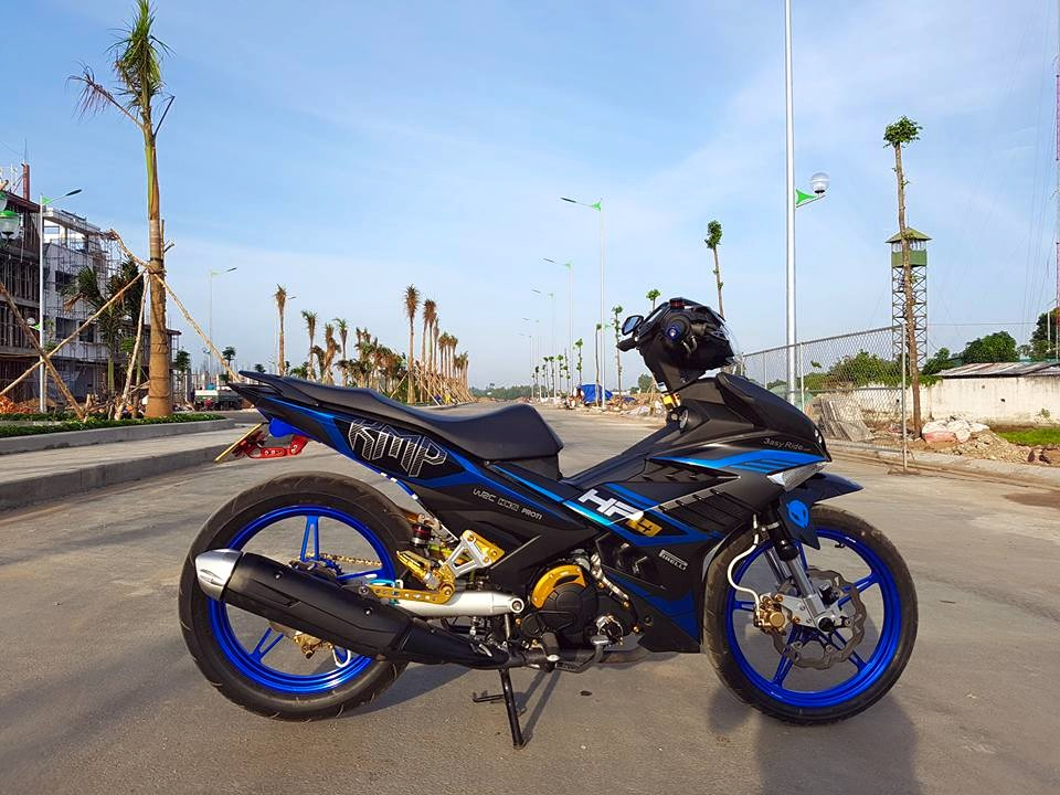 Exciter 150 day dung manh trong bo canh HP4