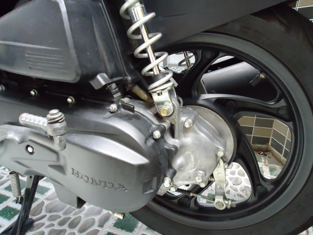 Honda Air Blade Fi 110cc doi 2011 len dan ao Thai Den Mo 100 zin - 4