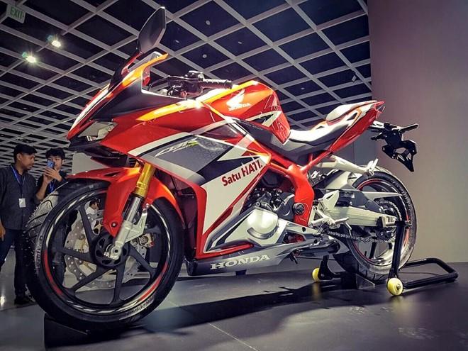 Honda CBR250RR 2017 mau xe the thao 250cc cham nguong Superbike - 3