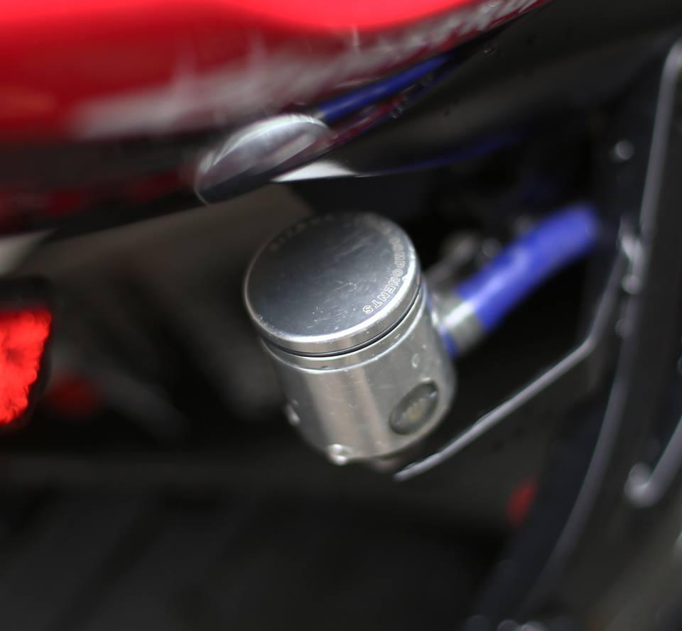 Honda CBR600RR vo cung an tuong trong ban do cuc chat cua biker Viet - 9