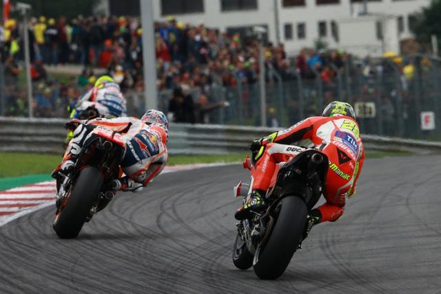 Ket qua phan hang MotoGP Andrea Iannone co pole dau tien - 8