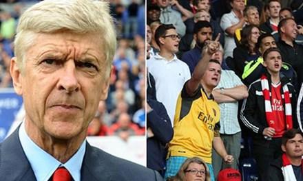 Nhan vien Arsenal xin nghi viec de HLV Wenger co tien mua sam