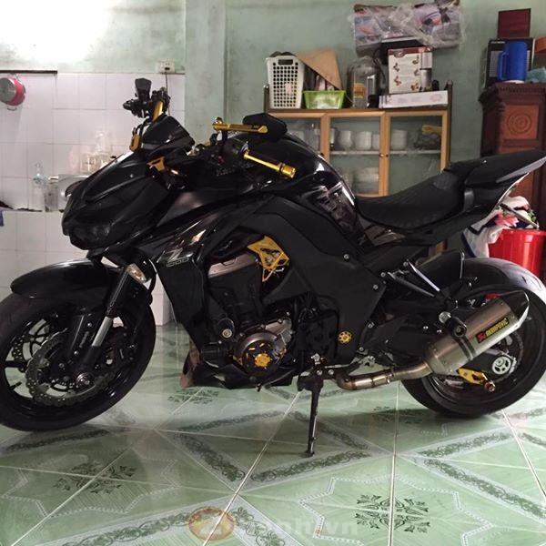 Kawasaki Z1000 cuc than di dong voi dan do choi don gian ma ton kem - 2