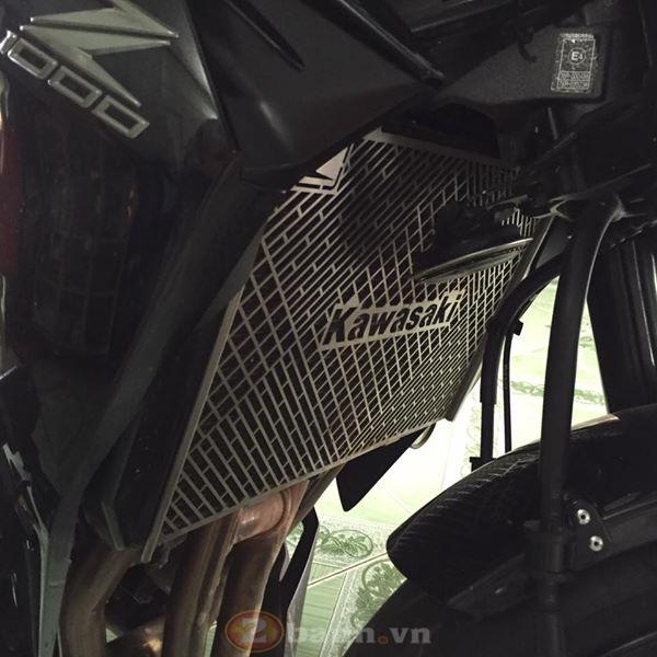 Kawasaki Z1000 cuc than di dong voi dan do choi don gian ma ton kem - 7