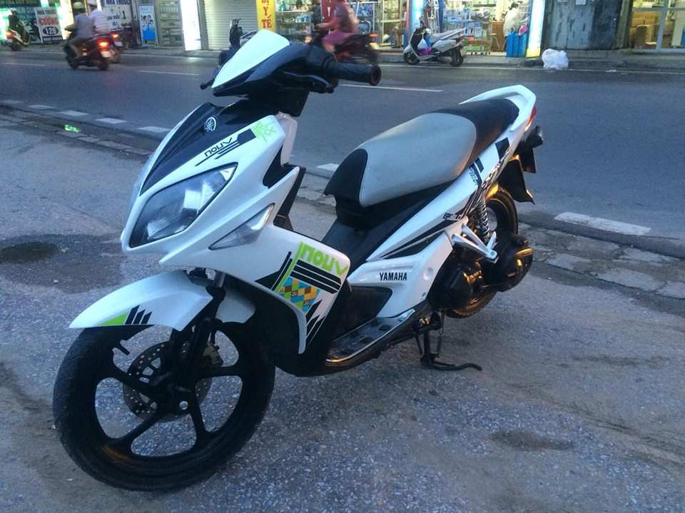 Yamaha Novo LX 135 mau trang doi chot tem caro 2011