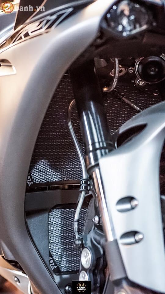 Yamaha R1 den mo sieu ngau trong ban do tu RK Rider Shop - 5