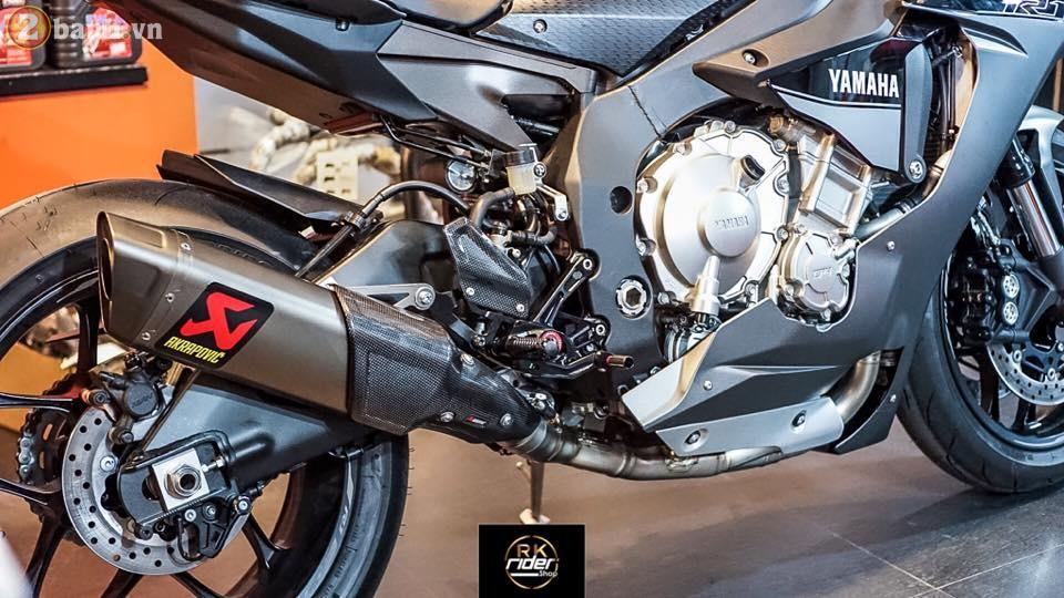 Yamaha R1 den mo sieu ngau trong ban do tu RK Rider Shop - 7