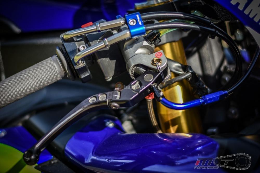 Yamaha R1 sieu chat trong phien ban Movistar MotoGP - 6