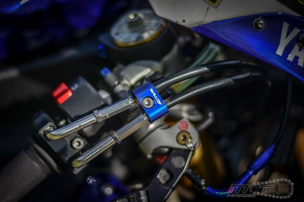 Yamaha R1 sieu chat trong phien ban Movistar MotoGP - 8