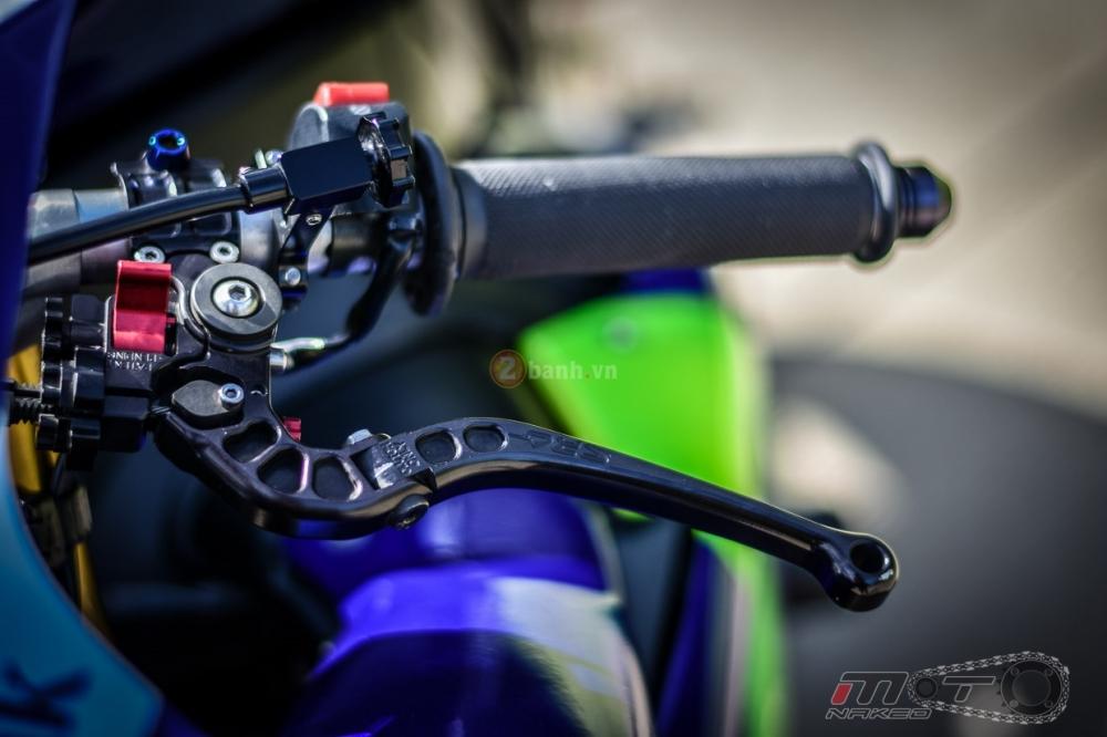 Yamaha R1 sieu chat trong phien ban Movistar MotoGP - 10
