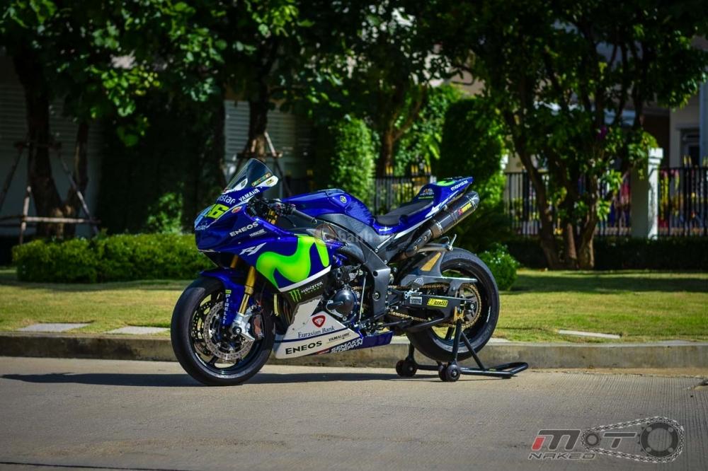 Yamaha R1 sieu chat trong phien ban Movistar MotoGP - 3