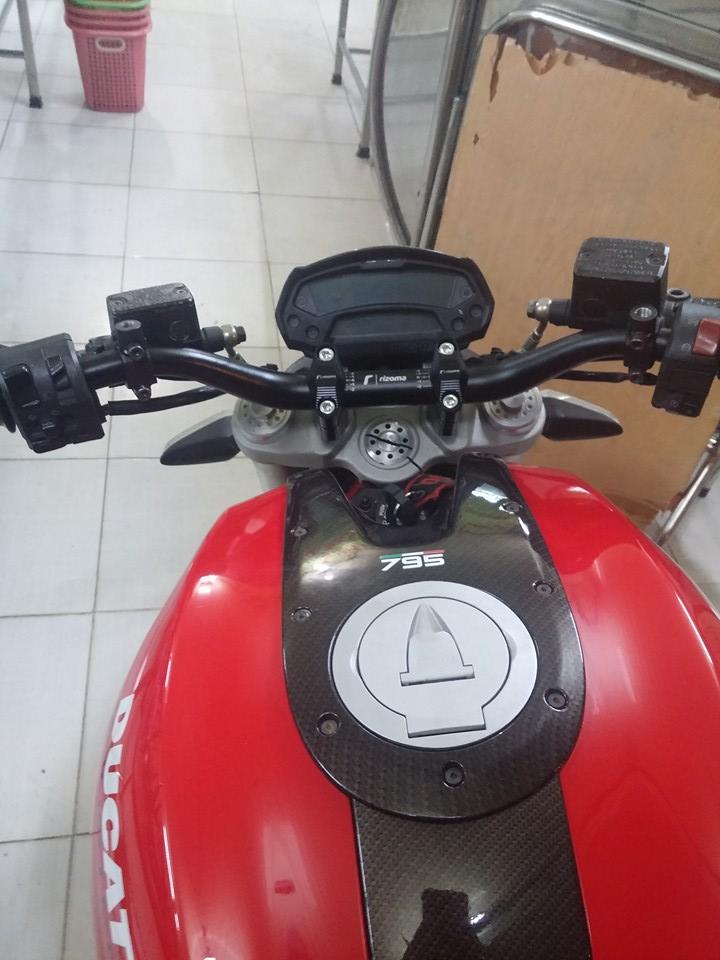 Ban Ducati Monster 795 HQCN date 2012 gia SV - 5