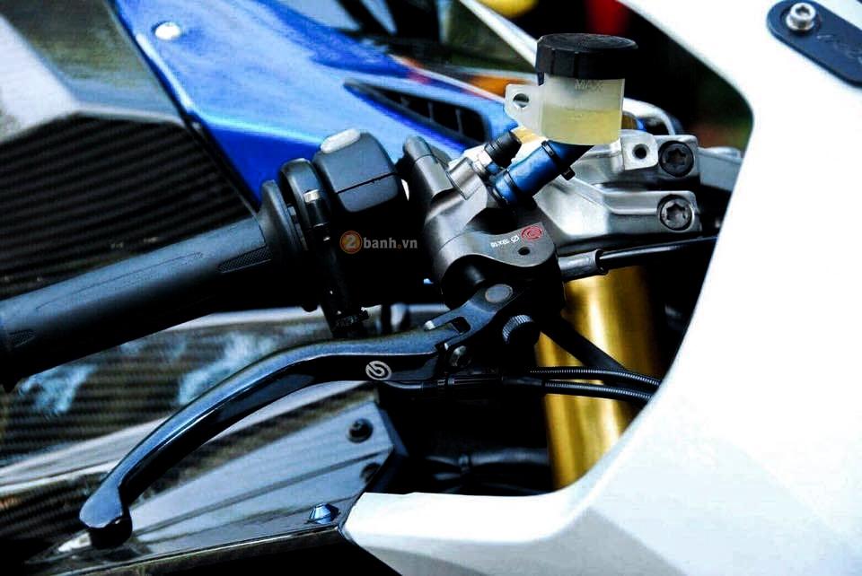 BMW HP4 ban do don gian nhung dang cap - 3