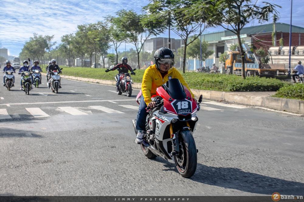 Hang chuc chiec PKL di chuyen hoanh trang truoc them 0209 - 21