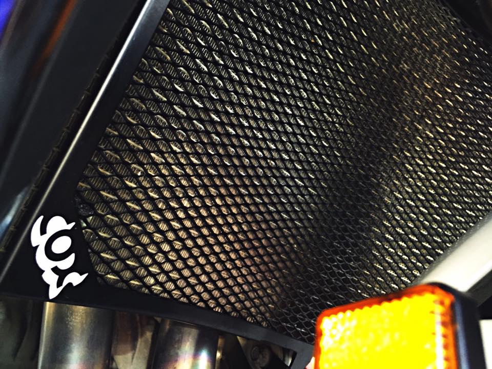 Hang khung YZFR1 trang bi tan rang goi do Racing - 3