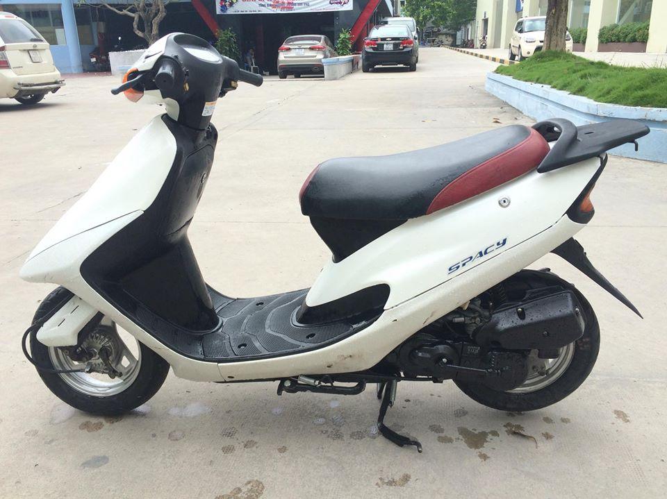 Honda Spacy 50cc nhap khau Nhat mau trang nguyen ban