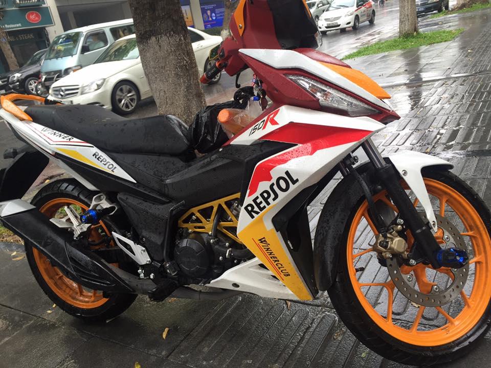 Honda Winner 150 do chat lu voi phong cach Repsol