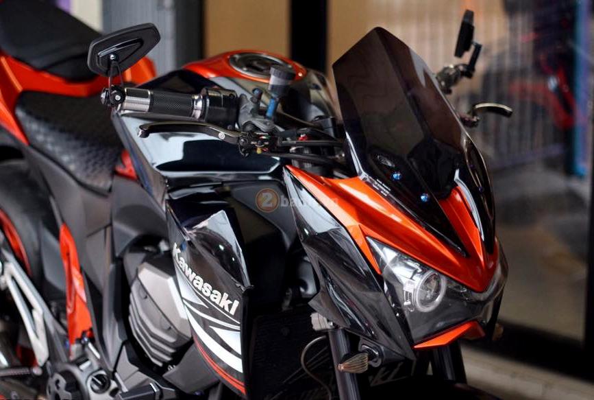 Kawasaki Z800 den cam voi doi mat thu sinh - 3