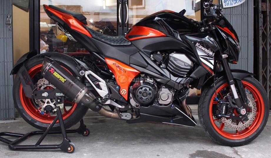 Kawasaki Z800 den cam voi doi mat thu sinh - 16