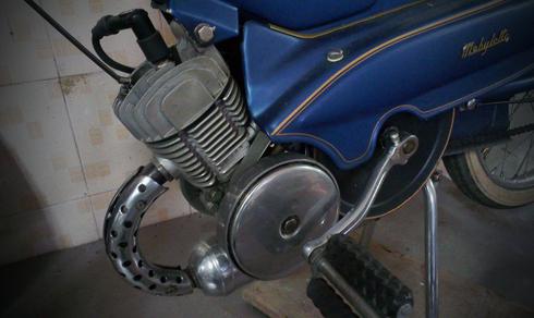 Motobecane AV88 la mau xe trong gia dinh AV cua Mobylette thuoc nhung nam 1950 - 5