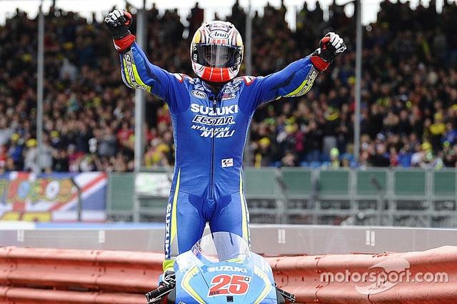 MotoGP Hinh anh tay dua xuat sac nhat chang 12 Maverick Vinales cua Team Suzuki Ecstar - 5