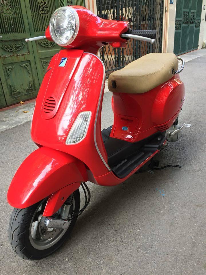 Rao ban Piaggio Vespa LX125 nhap Y mau do bien dep 29Y1551 dung giu 2 - 2
