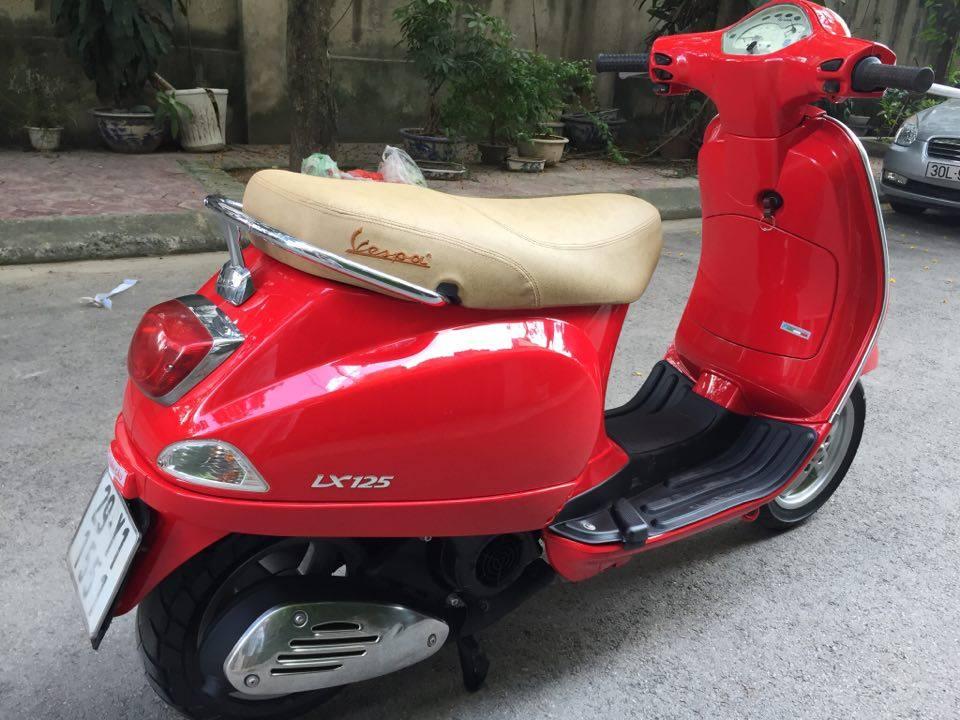 Rao ban Piaggio Vespa LX125 nhap Y mau do bien dep 29Y1551 dung giu 2 - 3