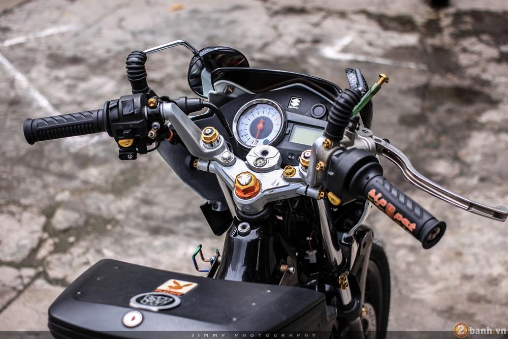 Satria F150 phien ban trang Ngoc Trinh cua tay choi Sai Gon - 5