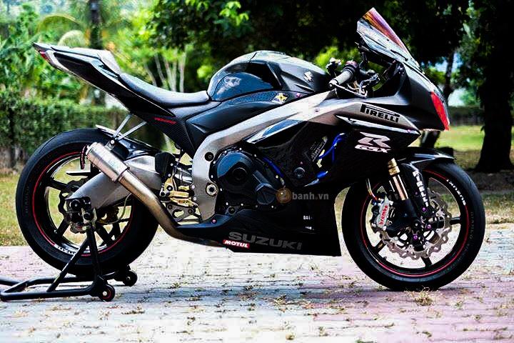 Suzuki GSXR1000 day an tuong voi phien ban Dark Knight
