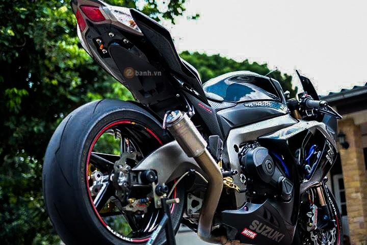 Suzuki GSXR1000 day an tuong voi phien ban Dark Knight - 5