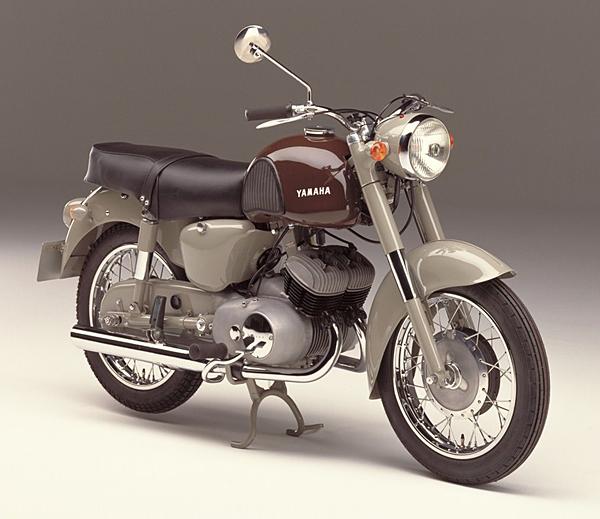 Ten tuoi de che Yamaha duoc tao nen tu nhung mau xe huyen thoai - 3