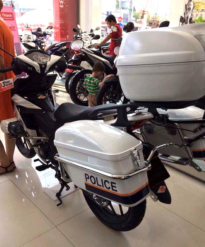 Winner 150 Police Edition - 2