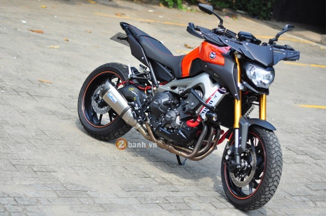 Yamaha MT09 voi phong cach the thao duong pho Street Rally