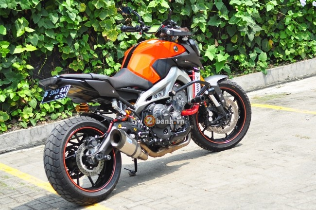 Yamaha MT09 voi phong cach the thao duong pho Street Rally - 6