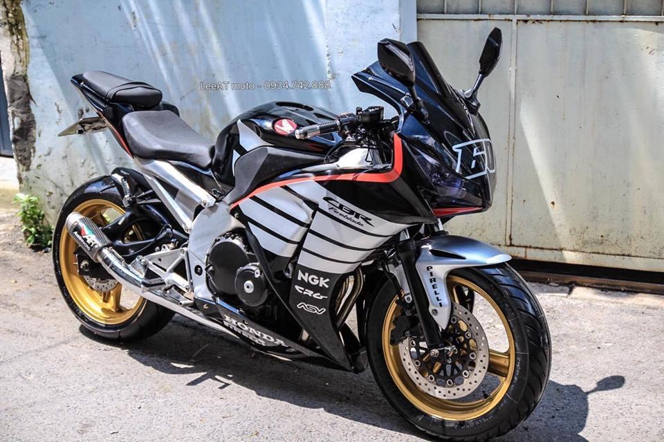 Lot xac Hornet 250 thanh thanh mau xe the thao Honda CBR1000RR 2015