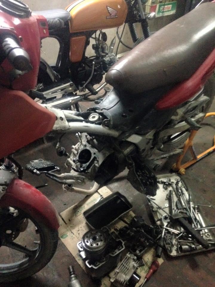 Suzuki FX125 trong cuoc phau thuat nghiem trong