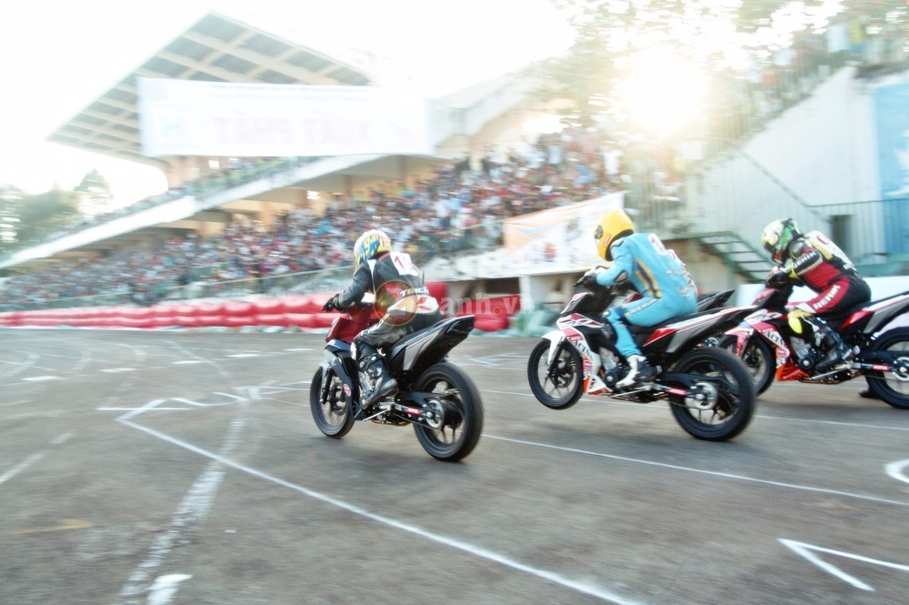 Winner 150 net po vang troi trong giai dua Honda tai Dong Thap - 14